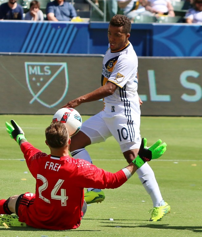 Giovani dos Santos had a couple chances early but couldn't find the back of the net. (Photo by Duane Barker)