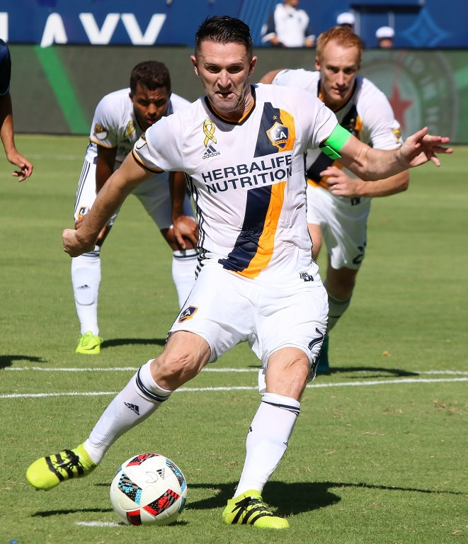 Robbie Keane boots home a penalty kick but the Galaxy lose. (Photo by Duane Barker)