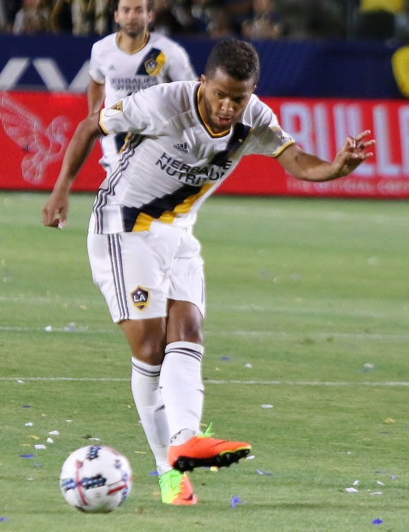 Giovani dos Santos got the equalizer for the Galaxy. (Photo by Duane Barker.)